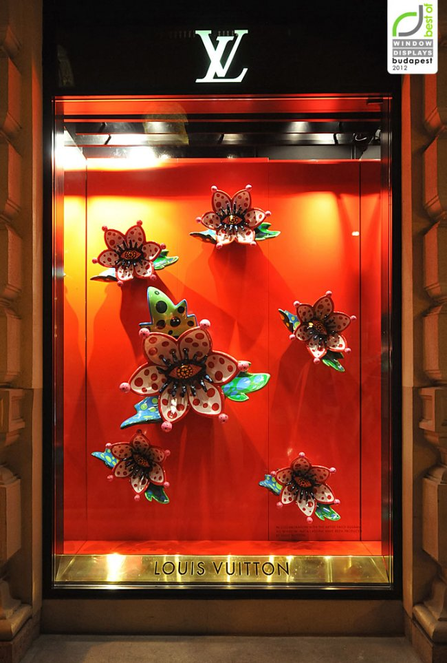 louis-vuitton-window-displays-autumn-2012-budapest_650x963