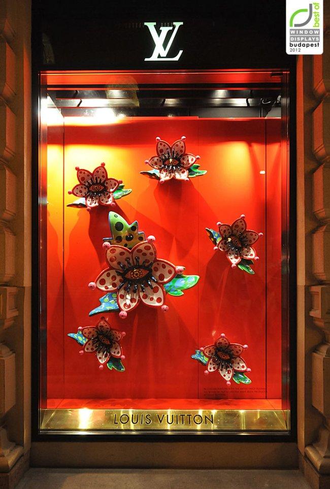 louis-vuitton-window-displays-autumn-2012-budapest_650x963